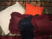 1 bed pillow and 4 throw pillows Smyrna