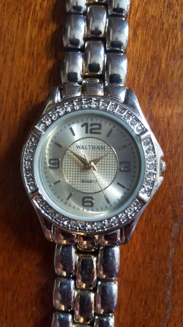Waltham Quartz Stainless Steel Ladies Watch w/15mm steel band