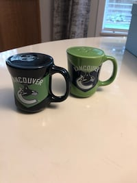Canucks salt & pepper shakers- NEW