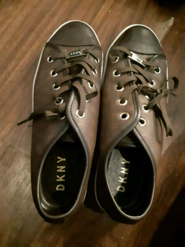 NEW DKNY/GUESS WOMENS SHOES SIZE 7  0