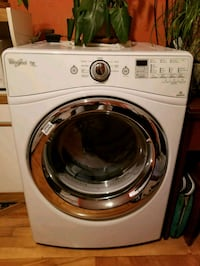 white LG front-load clothes washer Montreal, H2V