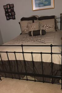 Full size bed Charlotte, 28226