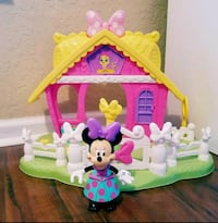 Minnie Mouse Cottage and Figure New Jacksonville, 32224