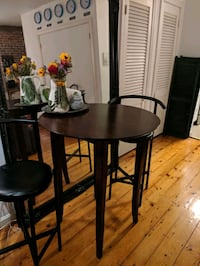 Bar height table - like new condition