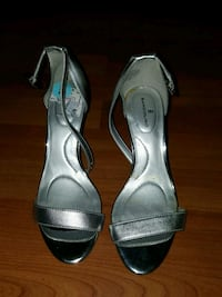 Size 6 shoes Bakersfield, 93309