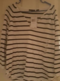 white and black stripe v neck long sleeve shirt Glen Burnie, 21060