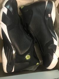black-and-gray basketball shoes with box North Miami