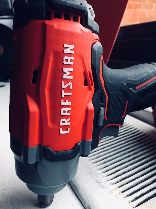 """Craftsman 1/2'"""" (13mm) Impact Wrench 20v with battery included  842354f8-f359-4cc0-ba38-acd6ceec559d"""
