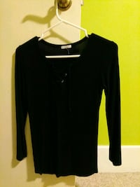 Black long sleev top Vancouver
