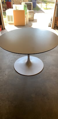 Burke Tulip Table (like the one on Red Table Talk) Dallas, 75224