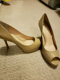 Brand new Nude pumps size 38 Never worn