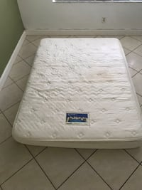 White Serta Perfect Sleeper Queen Size Mattress North Miami, 33161