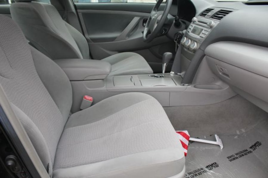 Used 2010 Toyota Camry for sale cfa26879-43f4-4d3f-85bf-67189914f3f2