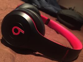 Beats Solo 3 Wireless (SHIPPING ONLY)