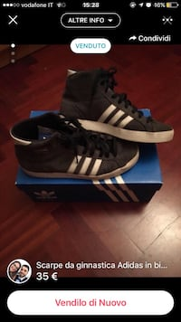 coppia di nero Adidas high top sneakers con scatola