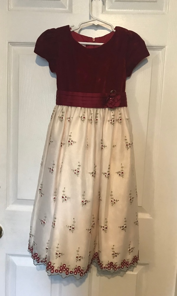 Elegant girl's dress size 10 in perfect condition