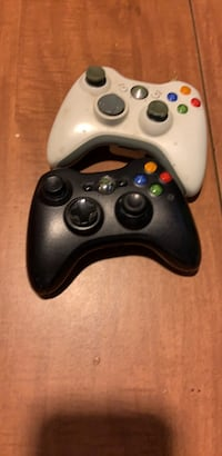 2 Xbox 360 controllers  Bakersfield, 93308
