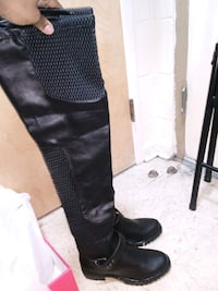 Pair of black leather thigh-high boots Nashville, 37207