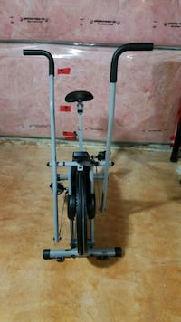 Exercise stationary bike with arm movement Brampton, L7A 3Y4