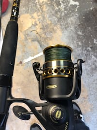 Penn surf pole brand new used one time. 45 lb Tess spider wire.