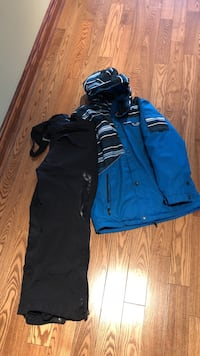 Jupa skiing set for boys bought in sporting life