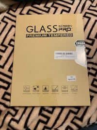 Glass screen protector for iPad