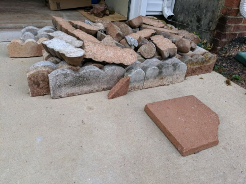 Landscape stone edges for free.  b7d3b1e0-03ca-4a66-9158-46519bee6876