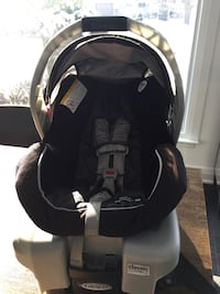 baby's black and gray car seat carrier Toronto, M3H 3S6