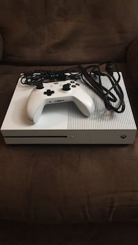 Xbox One with 1 Controller Cincinnati, 45212