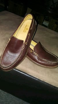 Sperry leather shoe