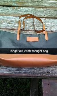 Tanger outlet messenger bag