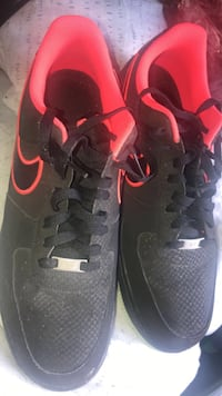 pair of black-and-red Nike sneakers Sacramento, 95823