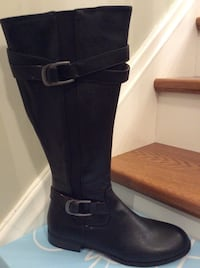Lifestride Womens Boots. Size 8. - New Beautiful Sleek Boots.  Kitchener, N2H 5P5