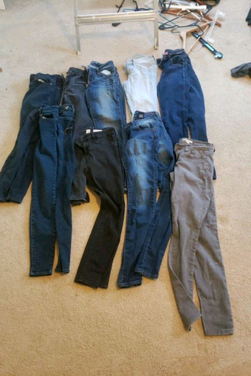 Photo Skinny jeans-9 pairs(size 0-1)