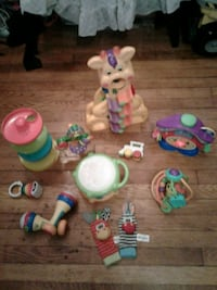assorted-color plastic toy lot Zanesville, 43701