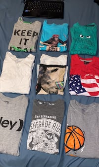 Boys T Shirts Size Small 6/7