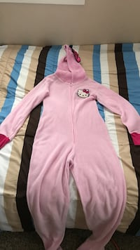 pink hello kitty footie Vallejo, 94589