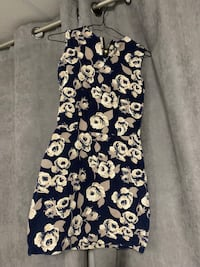 white and blue floral sleeveless dress Welland, L3C 1W3