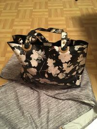 black and white floral tote bag New York, 10453