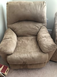 Lazy boy chair . Good condition $180 Charlotte, 28277