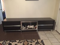 Tv stand with 4 drawers.  Tifton, 31794