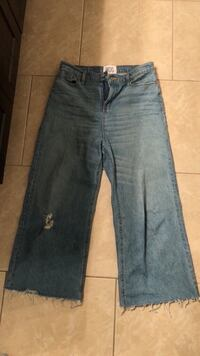 URBAN OUTFITTERS - Denim Flare Jeans (size 29)  Burnaby