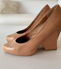 Jeffrey Campbell pumps Beige