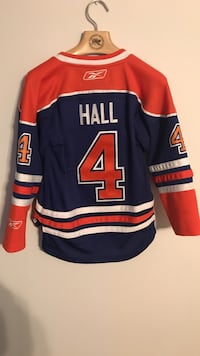 Edmonton Oilers Taylor hall jersey youth small Spruce Grove, T7X 0C5