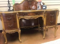 Antique vanity and 2 matching twin beds  Linganore, 21774