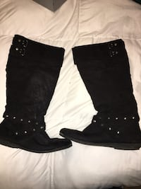 Black studded boots  Ceres, 95307
