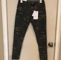 black and gray camouflage pants Hercules, 94547