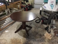 Wooden Round Table Orlando, 32805