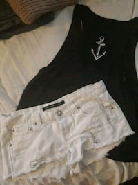 black and white denim shorts Niagara Falls, L2G 1Y7