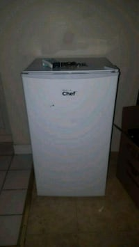 Mini fridge/freezer Niagara Falls, L2E 3M3